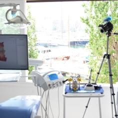 Ρομποτική Οδοντιατρική Αισθητικη Εμφυτευματα Δοντιων