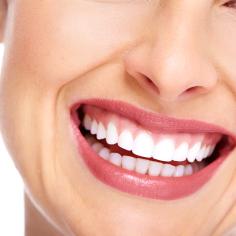 Unsere Zahnarztpraxis in Marina Zea, Zentrum von Piraeus bietet Implantaten, keramikveneers, komposit veneer, ästhetische Digitale Zahnmedizin